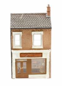 Graham Farish 42-208 Low Relief Bakery (32 x 12 x 56mm)