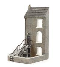 Graham Farish 42-217 Low Relief Three Storey City House (35 x 48 x 79mm)