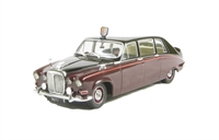 Oxford Diecast 43DS004 Daimler DS420 Limo in Claret/Black (Queen Mother)