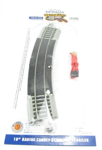"""Bachmann USA 44502 18"""" Radius curved terminal rerailer with connecting wire for power. Grey"""