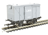 Dapol 4F-011-001 Ventilated van in LMS livery