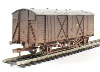 Dapol 4F-014-002 Fruit D van 2881 in GWR shirtbutton - weathered