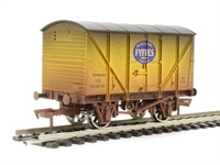 Dapol 4F-016-101 Fyffes banana van in yellow - weathered