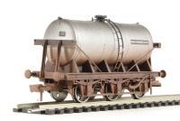 "Dapol 4F-031-004 6 wheel milk tanker ""Unigate Dairies"" - weathered"