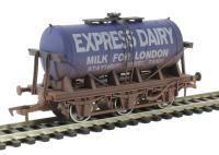 Dapol 4F-031-018 6 Wheel Milk Tanker Express Dairy 'E' - weathered