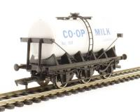 Dapol 4F-031-021 6 Wheel Milk Tanker - Co-Op Milk 169