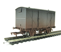 Dapol 4F-011-004 Ventilated van (ex LMS livery) - weathered
