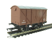 Dapol 4F-012-001 Ventilated van in BR livery