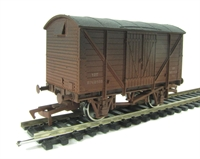 Dapol 4F-012-002 Ventilated van in BR livery - weathered
