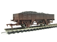Dapol 4F-060-002 Grampus wagon in BR Bauxite - weathered