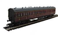 Dapol 4P-010-004 RTR 57ft Stanier brake in LMS maroon lined