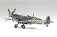 Tamiya 60319 Spitfire MK.IX c