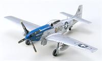 Tamiya 60749 North American P-51D Mustang.