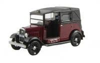 Oxford Diecast 76AT004 Austin Low Loader in burgundy