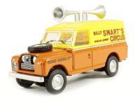 Oxford Diecast 76LAN2003 Land Rover Series II Hard Top Speakers Billy Smarts