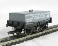 "Dapol B731 Rectangular tank wagon in ""ICI"" Billingham-on-Tees livery"