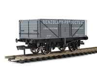 "Dapol B903 7 plank wagon ""Benzol & By Products Ltd"""