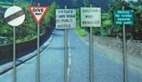 Ancorton Models NAS1 Modern Road Signs - Assorted signs