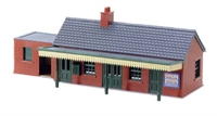 Peco Products NB-12 Country Station Building, brick type