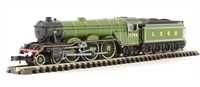 """Dapol ND129GD Class A3 steam locomotive 2744 """"Grand Parade"""" in LNER apple green. DCC fitted"""