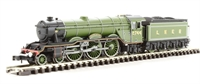 """Dapol ND129G Class A3 steam locomotive 2744 """"Grand Parade"""" in LNER apple green"""