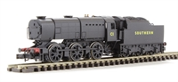 Dapol ND207CD Class Q1 0-6-0 C1 in SR black livery. DCC fitted