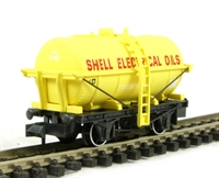 Peco Products NR-P172 'Shell electrical oils' tank wagon in yellow