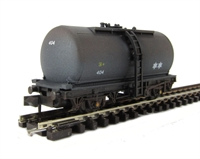 """Peco Products NR-P77W Tank wagon """"Regent Oil"""" weathered"""