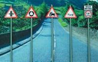 Ancorton Models NWS4 Modern Road Signs - Warning signs pack 4