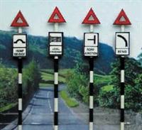 Ancorton Models O603 Pre 1960's Road Signs set 3