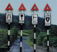 Ancorton Models O604 Pre 1960's Road Signs set 4