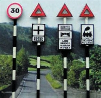 Ancorton Models OO-601 Pre 1960's Road Signs set 1 (x 4)