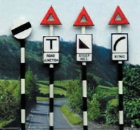Ancorton Models OO-602 Pre 1960's Road Signs set 2