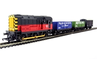 Hornby R2669 Class 08 diesel shunter in BR red, 2 x open wagons and 1 x box van