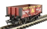 Hornby R6592 4-plank wagon The Fleetwood Industrial Co-op Society