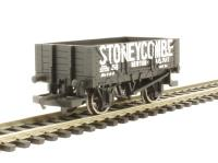 Hornby R6670 4 plank wagon 'Stoneycombe'