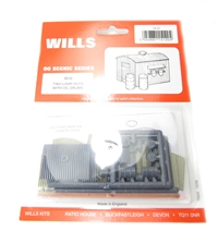 Wills Kits SS22 Lamp huts with 2 oil drums