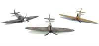 Oxford Diecast SET17 Supermarine Spitfire Set with RF-D in post 1941 colours IR-G in Desert scheme and XT-D in Battle of Britain colours
