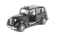 "Pocketbond ""Classix"" EM76842 Austin FX3 London Taxi in black with chrome wheel trims"