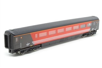 0768-PO Mk3 Guard 2nd in Virgin Red - Pre-owned - no couplings or buffers - imperfect box