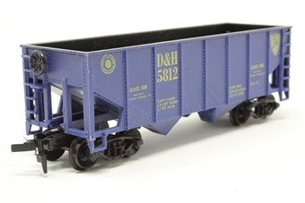 08504LL-PO 2-Bay Open Hopper #5812 of the Delaware & Hudson Railroad - Pre-owned - Like new - imperfect box