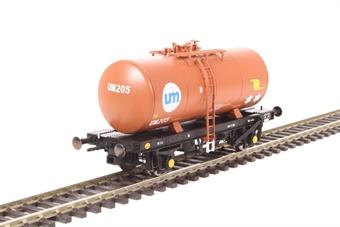 1110 4-wheel B tank UM205 in United Molasses brown livery