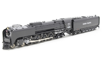 126-0402-PO Class FEF-3 4-8-4 #838 of the Union Pacific Railroad - Pre-owned - Like new