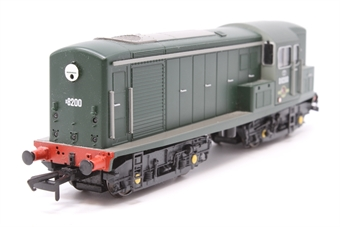 1500-PO01 Class 15 D8200 in BR plain green livery, as delivered into service. - Pre-owned - DCC fitted, loose fuel tank