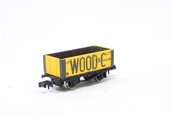 2116Farish-PO03 6 Plank Wagon 'J.R Wood' - Pre-owned - Like new