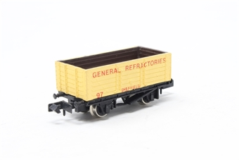 2131Farish-PO03 7 Plank Wagon 'General Refractories' - Pre-owned - imperfect box