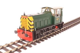 2591 Class 05 shunter in BR green with wasp stripes (late version)