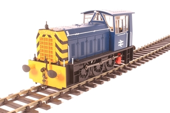2593 Class 05 shunter in BR blue with wasp stripes (late version)