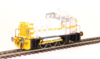 2913 Class 07 shunter 07003 in British Industrial Sand livery