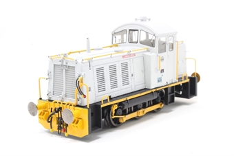 "2916-PO Class 07 shunter 07005 ""Langbaurgh"" in ICI Wilton grey and orange - Open box, loose hand rail, imperfect box"